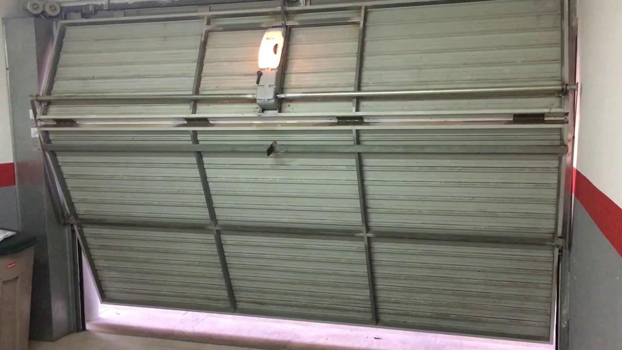 Motor puerta basculante de dos hojas youtube - Motor puerta garaje precio ...