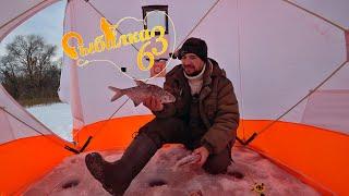 Лещ рвет леску Вот это рыбалка на леща зимой Зимняя рыбалка 2020 2021