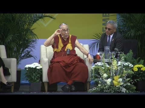 Dalai Lama Speaks At UC San Diego