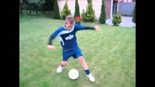 Yetenekli ÇocukProfesyonel futbol haraketleri