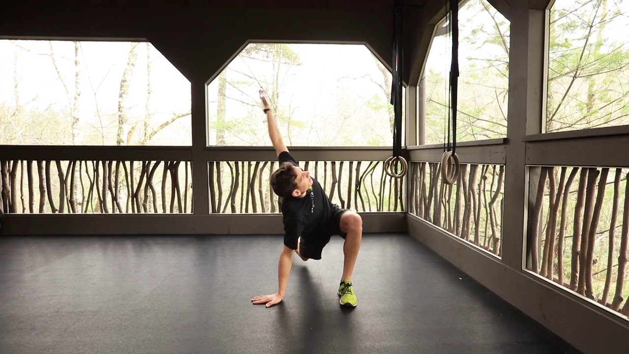 Mobility Library: Arm to Sky Lunges