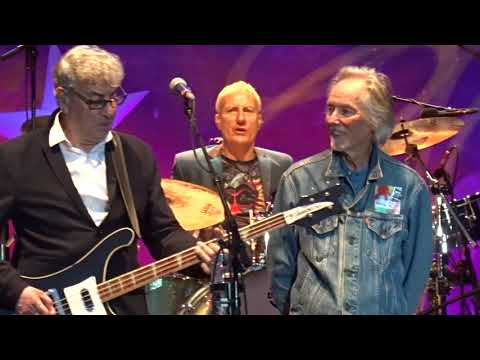 Ringo Starr feat. Klaus Voormann - With A Little Help From My Friends (Hamburg, 11.06)
