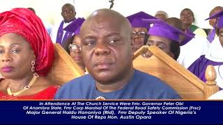 NIGERIA'S FMR MINISTER OF INFORMATION CHIEF CHUKWUEMEKA CHIKELU GIVES MUM A SUPER BURIAL.