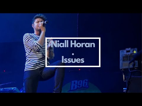 Niall Horan- Issues(LIVE at B96 Summer Bash 2017 )