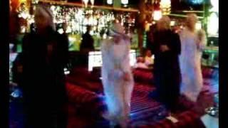 """4 arab guys dance to Akon """"I wanna make love"""""""