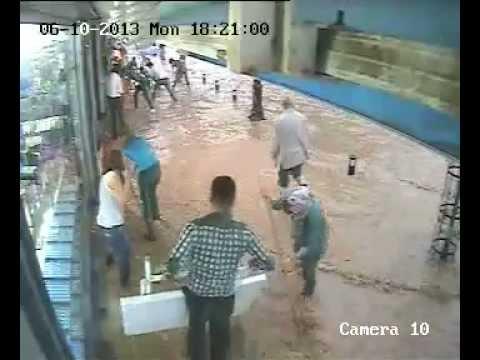 Malatya'yı Sel Bastı Malatya Belediyesi Etkisiz Kaldı Halk Belediye'ye İsyan Etti