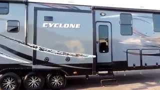 Awesome 43' 2016 Heartland Cyclone 4100 KING 3-Slides W/ Generator!!