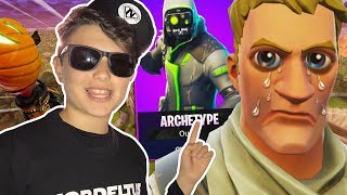 KID RAT USES THE NEW HACK TO GET THE NEW SKIN! 😂😂 (TROLLEO at FORTNITE)