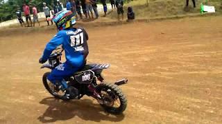 Download Video Grasstrack Sanggrahan 2018 kelas bebek standar race 1 MP3 3GP MP4