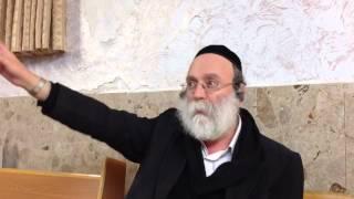 הרבי מגור הבית ישראל צעק לילדים שרצו אחריו  אני לא כלב ואל תרוצו אחרי   הרב והתלמיד