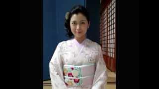 Amazing Japanese actress/singer, Seiko Niizuma, tries singing a pie...