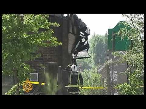 Fire destroys Islamic centre in London