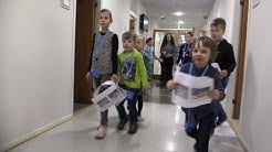 Lapsienergiaa Vantaan kaupungintalolla – päivä töissä sujui leikiten
