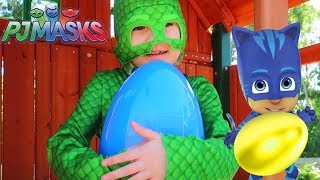 Gekko Finds Toy Surprise Eggs - PJ Masks Toys Compilation