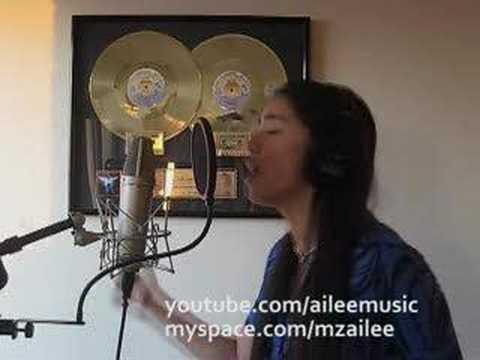 Ailee singing Hero by Mariah Carey!