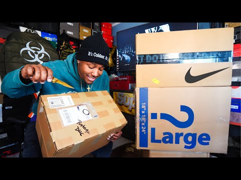 UNBOXING A TON OF DOPE SH*T! 2 EARLY SNEAKER PICKUPS! THESE WILL SELL OUT & MORE! MAJOR HEAT!