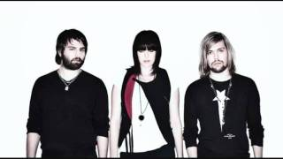 Watch Band Of Skulls Close To Nowhere video