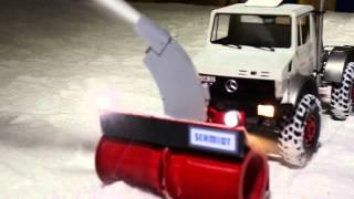 RC Schmidt Schneefräse VF-Z an Unimog 2450L 1:8