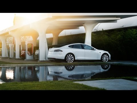 Is Solar Power the Best Way to Charge a Tesla? Cost Breakdown and Analysis