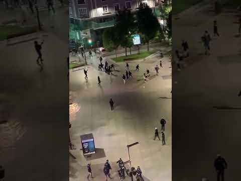 Disturbios en las protestas por las restricciones contra la COVID en el centro de Santander, con ocho detenidos y un agente herido