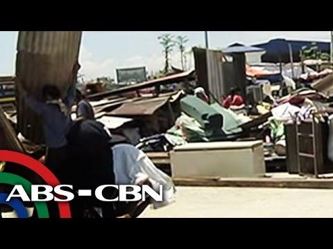 Bahay ng higit 450 informal settlers sa Taguig, giniba