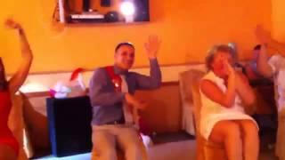 Конкурсы на свадьбе(Свадьба и всё о свадьбах, самое лучшее свадебное видео, самые богатые свадьбы и самые смешные свадебные..., 2014-06-09T09:54:31.000Z)