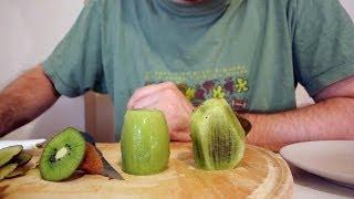 Kivi yanlış soyuluyor! Doğrusu burada! (How to peel kiwi the right way) ENG SBT