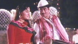 Video Jiyo Jiyo Pyare - Shatrughan Sinha, Reena Roy, Haathkadi Song (Duet) download MP3, 3GP, MP4, WEBM, AVI, FLV November 2017