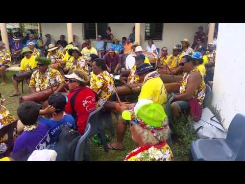 Aitutaki drumming 2015(1)