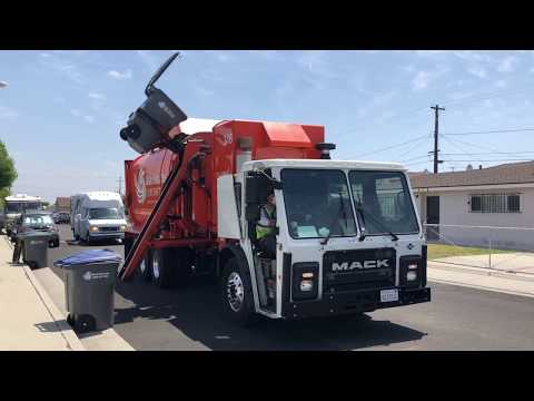 Waste Resources: Mack LR Amrep N3 Garbage Truck!