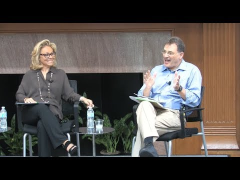 Stanford experts discuss the Internet, Social Media and Demo