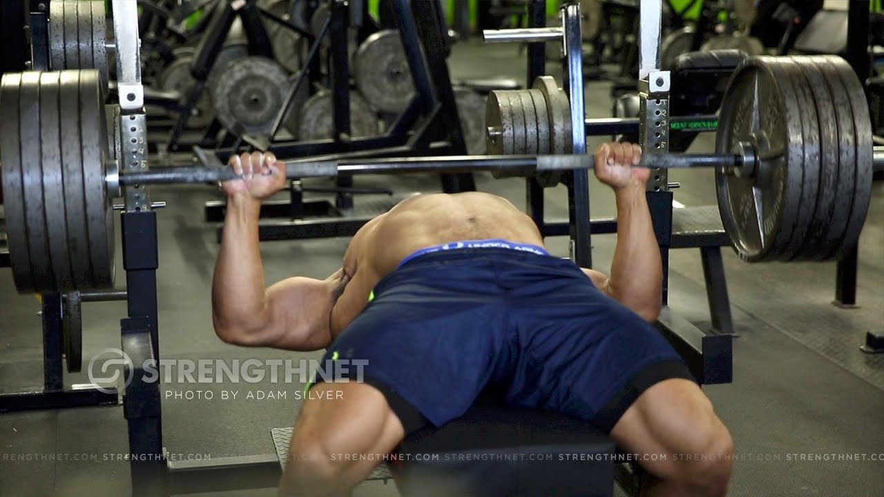 Larry Wheels Bench Presses 315 For 40 Reps Crazy Strong Youtube