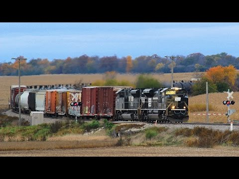 NS 1073 East - Genoa, Illinois on 10-18-2014
