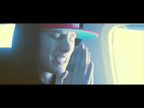 Machine Gun Kelly - Chasing Pavements[Official Music Video]