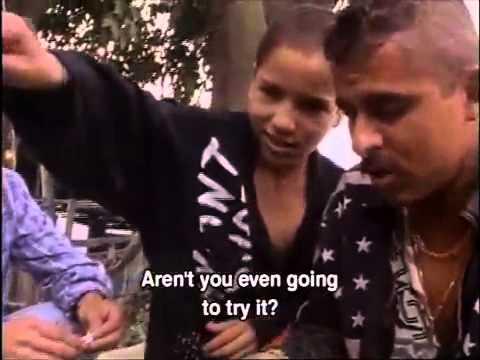 Zarco vs Monica 'La vendedora de rosas'   FunnyCat TV