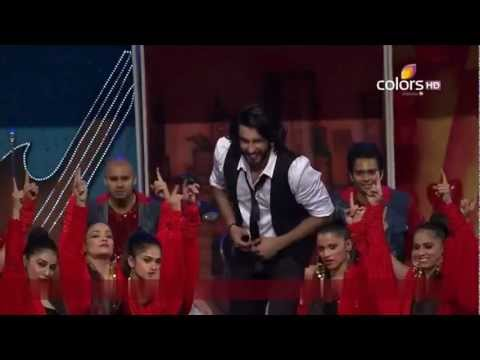 Ranveer Singh - Tribute to all Superstar of 90's in Colors 19th Screen Awards 2013