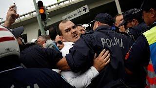 فيديو| تظاهر سائقي سيارات الأجرة في البرتغال ضد أوبر