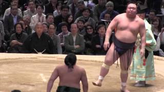 宝富士 vs 佐田の海の取組。2015春場所8日目。現地オリジナル撮影。 Gra...