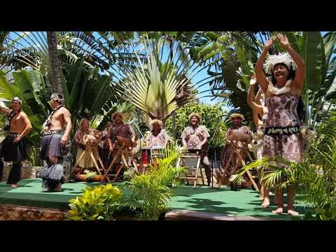 Cook Islands Exhibition - Polynesian Culture Centre - Boys and Girls Action Song
