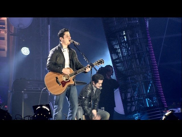 Boyce Avenue — Back For Good/Wonderwall — Live at the MTV EMAs Belfast 2011 (Take That/Oasis cover)