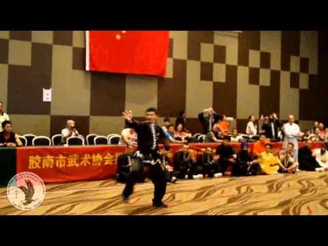 劉莉莉國際鷹爪國術總會  - Lily Lau Kung Fu Garra de Águia Campeonato Qingdao 2013