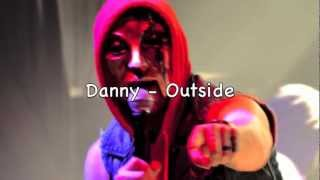 Repeat youtube video Hollywood Undead Danny vs Deuce ROUND 2