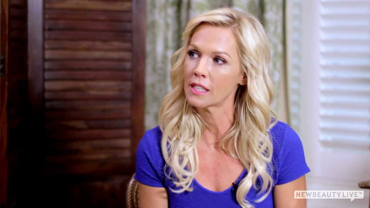 Jennie Garth Shares Her Beauty Tips at Her NewBeauty Photo Shoot