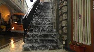 Maltempo, a Capri strade come cascate per la pioggia