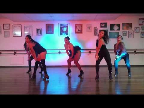 show-me-how-you-burlesque-|-heels-choreography-|-pierangely-wever