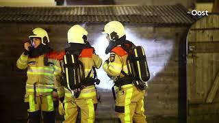 Brandweer blust schuurbrand in Zwolle