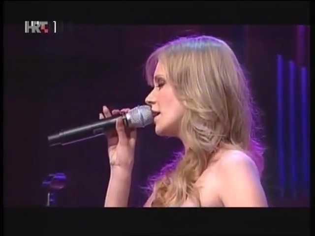 jelena-rozga-pisi-mi-live-noc-zvijezda-noc-hitova-06-nonamebg