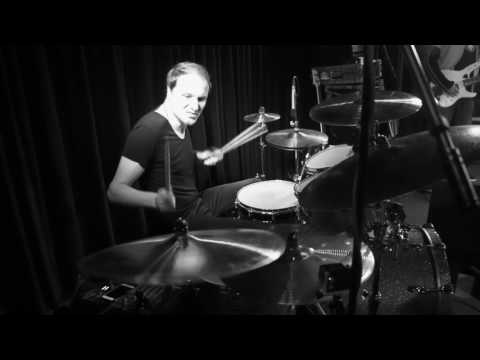 Moritz Müller Performs with a B8X Ballistic/XSR Chinese Stack