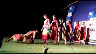 Gambar cover Aa suna gharu baharia group dance on stage
