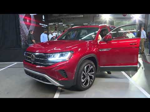 2020 Volkswagen Atlas Cross Sport - On Stage Photo Ops & Vehicle Walk Arounds